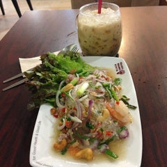 Photo taken at Black Canyon (แบล็คแคนยอน) by Bo N. on 8/1/2014