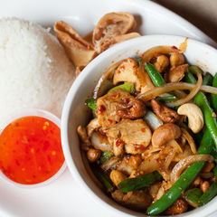 Photo taken at Lulu's Thai Noodle Shop by Lulu's Thai Noodle Shop on 6/8/2015