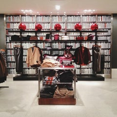 Photo taken at Banana Republic by Jesse T. on 12/19/2012