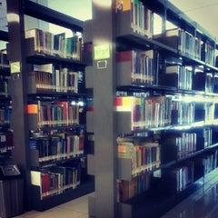 Photo taken at Perpustakaan Mandiri Universitas Al Azhar Indonesia by Triana F. on 2/22/2013