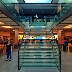 Photo taken at Apple Store, SoHo by Haroldo F. on 10/4/2013