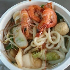 Photo taken at Foody Mart Supermarket 豐泰超級市場 by Bill on 11/29/2012