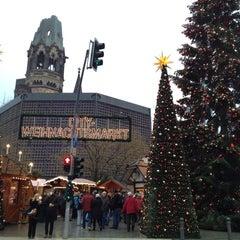 Photo taken at Weihnachtsmarkt an der Gedächtniskirche by viola on 12/15/2013