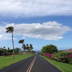 Photo taken at Mauna Kea Beach Resort by Sung P. on 12/11/2012