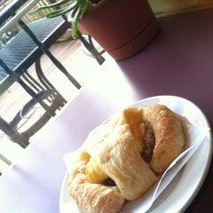 Photo taken at Cornerstone Coffeehouse by Matt N. on 9/14/2013