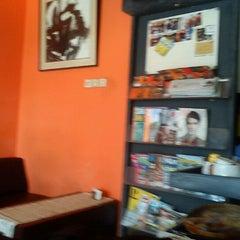 Photo taken at Mix 'n Match by Yosra P. on 11/18/2012