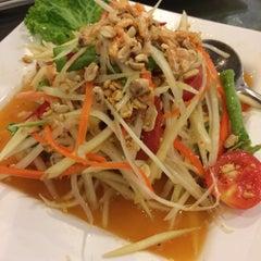 Photo taken at ครัวเจ๊ง้อ (Je Ngor's Kitchen) by Kitty_oh on 5/24/2015