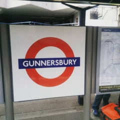 Photo taken at Gunnersbury London Underground and London Overground Station by Mark B. on 8/5/2015