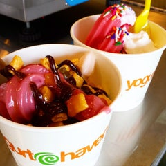 Photo taken at Yogurt Haven by Ron T. on 3/31/2015