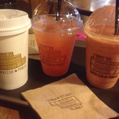 Photo taken at ESPRESSO ★ PUBLIC by 엉거 이. on 5/2/2013