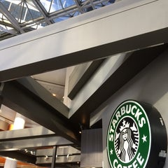Photo taken at Starbucks by Justin H. on 9/24/2014