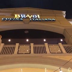 Photo taken at BRAVO! Cucina Italiana by Curt R. on 9/27/2014
