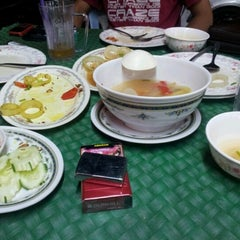 Photo taken at Muara Tomyam by chedet®© on 10/29/2012