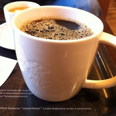Photo taken at Starbucks by Shigaepouyen on 1/3/2013