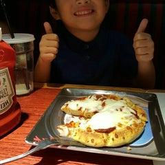 Photo taken at Red Robin Gourmet Burgers by Jennifer B. on 9/19/2015