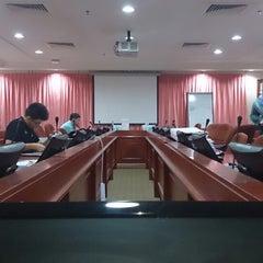 Photo taken at Bahagian Teknologi Pendidikan by Yew Aun T. on 12/27/2013