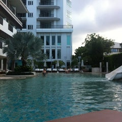 Photo taken at Pattaya Discovery Beach Hotel (D-Beach) by Максим Б. on 11/23/2012