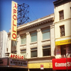 Photo taken at Apollo Theater by Claudio V. on 4/8/2013