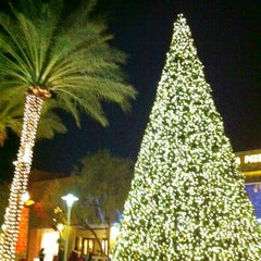 Photo taken at Desert Ridge Marketplace by Janice G. on 11/27/2012