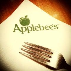 Photo taken at Applebee's by Kakeline L. on 2/1/2013