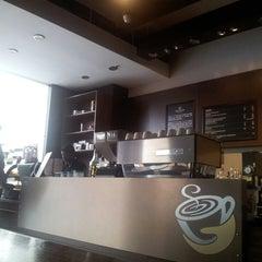 Photo taken at Gloria Jean's Coffees by Abhishek M. on 9/11/2013