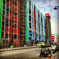 Photo taken at Centre Pompidou – Musée National d'Art Moderne by Bibibibibibi A. on 8/11/2013