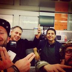 Photo taken at Snackcar de Vrijheid by Jody K. on 9/27/2014