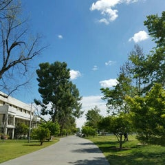 Photo taken at Fresno State - Engineering East by Mohammed H. on 3/28/2016
