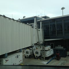 Photo taken at Gate E5 by Jeff S. on 12/27/2012