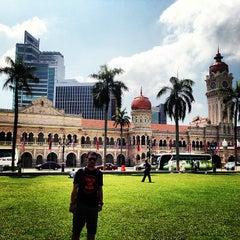 Photo taken at Independence Square (Dataran Merdeka) by arie w. on 3/23/2013