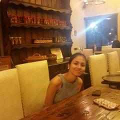 Photo taken at Ipar's Restaurante Y Bar De Tapas by Rex T. on 9/19/2014