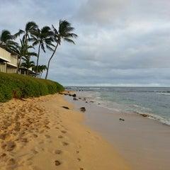 Photo taken at Ko'a Kea Hotel & Resort by ernie e. on 2/13/2013
