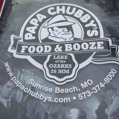 Photo taken at Papa Chubbys Food & Booze by Jill D. on 8/7/2015