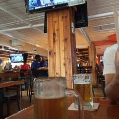 Photo taken at Hooters by yos1996 よ. on 6/14/2015