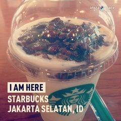 Photo taken at Starbucks by Vitri A. on 8/16/2013