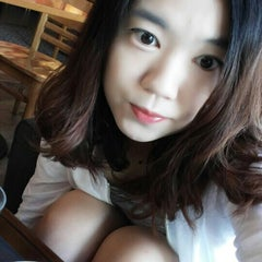 Photo taken at Starbucks by hyun-young C. on 7/10/2015