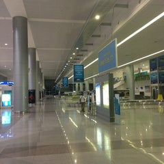 Photo taken at Tan Son Nhat International Airport (SGN) Sân Bay Quốc Tế Tân Sơn Nhất by Kenichi S. on 7/23/2013