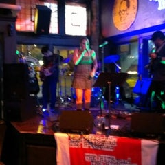 Photo taken at Thirsty Nickel by David R. on 9/21/2012