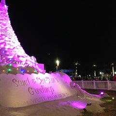 Photo taken at Clematis by Night by Colleen R. on 12/21/2012