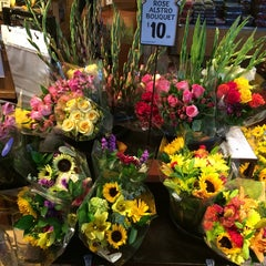 Photo taken at Fresh Market by Susan E. on 8/18/2014