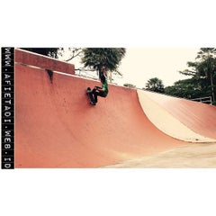 Photo taken at Youth Park Skate Park by ENDdustries.Com on 6/24/2015