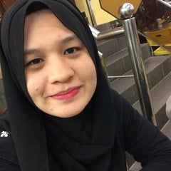 Photo taken at Restoran Kari Kepala Ikan SG by Nabilah A. on 9/20/2015
