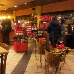 Photo taken at Starbucks by James L. on 11/13/2012