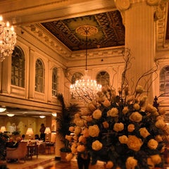 Photo taken at Hotel Monteleone by Ross T. on 10/13/2012