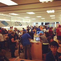 Photo taken at Apple Store, West County by Richard V. on 10/12/2013