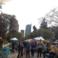 Photo taken at West End Farmers Market by Pomme on 10/5/2013