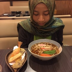 Photo taken at Hana Japanese Restaurant by Syazwan A. on 5/20/2015