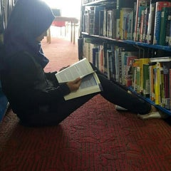 Photo taken at Perpustakaan Kuala Lumpur (Library) by Zie F. on 9/19/2015