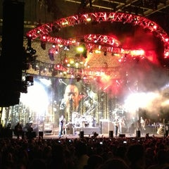 Photo taken at MIDFLORIDA Credit Union Amphitheatre by Roberto A. on 7/20/2013