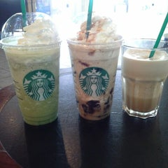 Photo taken at Starbucks by Hanifa N. on 2/9/2013